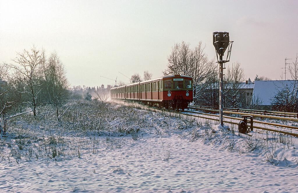 https://krolopfoto.de/railpix/images/berlin.sbahn1983/198312112.jpg