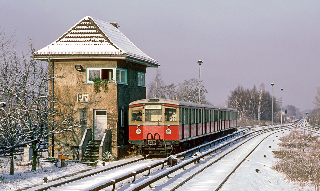 https://krolopfoto.de/railpix/images/berlin.sbahn1983/198312113.jpg