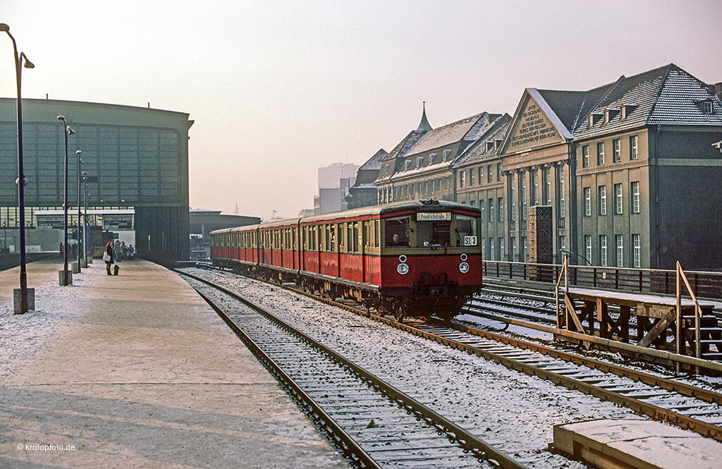 https://krolopfoto.de/railpix/images/berlin.sbahn1983/19831213-1.jpg