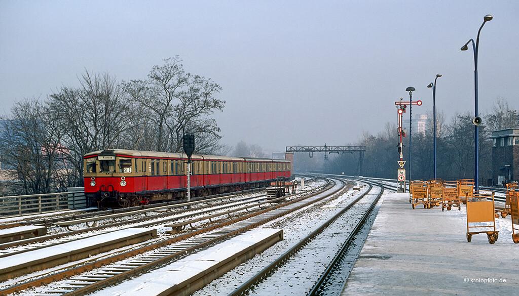 https://krolopfoto.de/railpix/images/berlin.sbahn1983/19831213-2.jpg